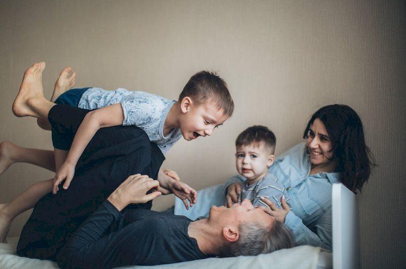 Чем заняться дома с семьей. 10 идей для семейного отдыха